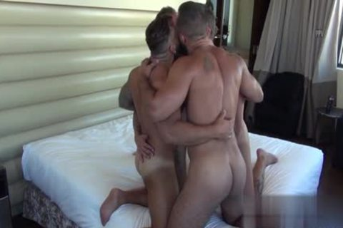 Muscle Bear oral With cumshot